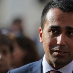 """Appalti e rifiuti, Di Maio: """"Politici assassini della mia gente"""". De Luca: """"Camorristi per ricattarci"""""""
