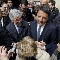 Napoli, la giornata di Renzi tra flash e richieste