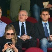 L'editoriale: la dynasty De Luca e il gelo di Renzi