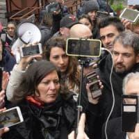 Appalti rifiuti, manifestazione M5s davanti alla Regione Campania. Ciarambino: