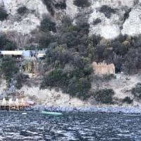 """Ischia, abusi vista mare: sequestri a un ristorante della """"Scarrupata"""""""