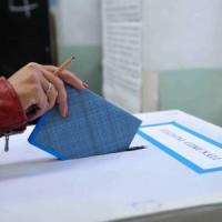 False candidature al Comune di Napoli, prima sentenza