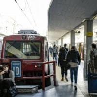 Circumvesuviana, la protesta dei dipendenti contro le aggressioni sui treni