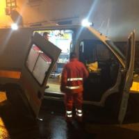 Ambulanza interviene a Fuorigrotta per codice rosso, ma perde il portellone