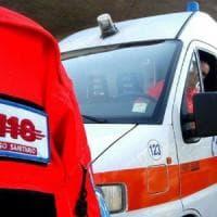 Cade da balcone, indagine su ferimento donna nel Salernitano