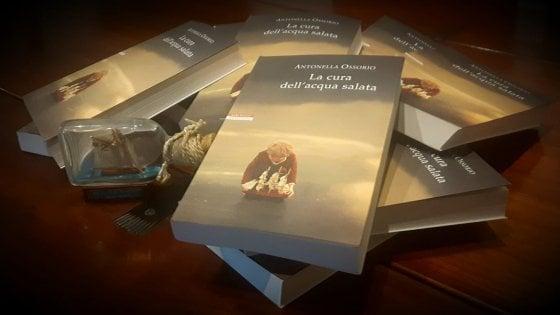 """Una scrittrice presenta un'altra scrittrice, Wanda Marasco legge """"La cura dell'acqua salata"""", l'ultimo libro di Antonella Ossorio"""