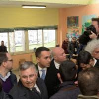 Luigi Di Maio al seggio nella sua Pomigliano