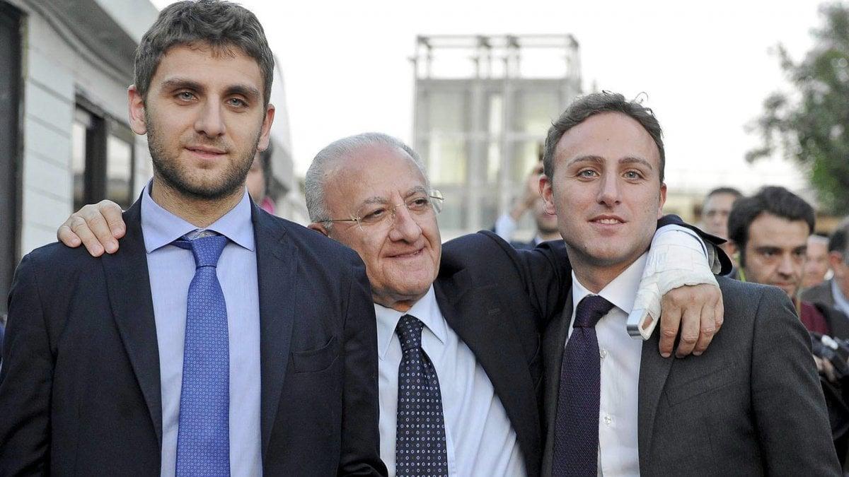 Elezioni De Luca Al Seggio Col Figlio Roberto La Repubblica
