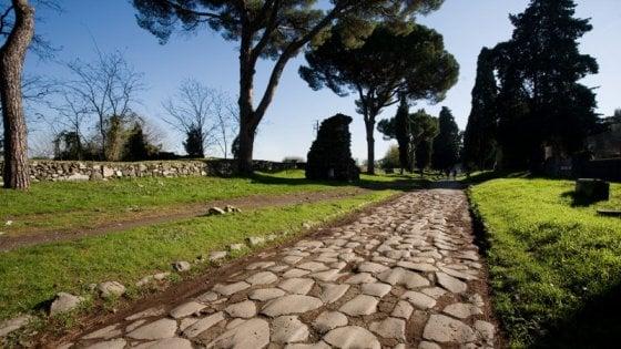 """Potenza, a Melfi la mostra """"L'Appia ritrovata.In cammino da Roma a Brindisi"""""""