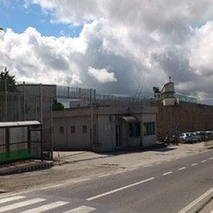 Carcere, un detenuto devasta due celle e infermeria