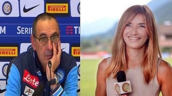 """Napoli, Sarri alla cronista: """"Sei carina, non ti mando affan..."""". Lei: """"Non si permetta"""""""