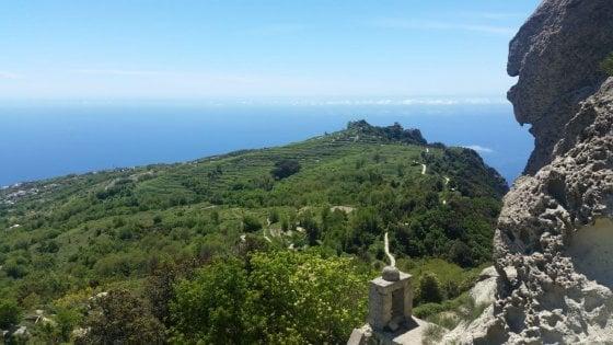 Il monte Epomeo che si abbassa tra le possibili cause dei terremoti di Ischia