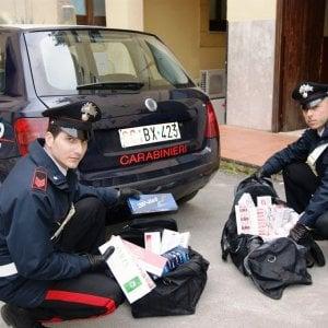 Contrabbando: sequestrate nel Napoletano 87 casse di sigarette