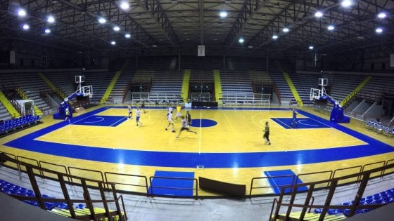 """Basket, nasce a Napoli il campionato """"over"""""""