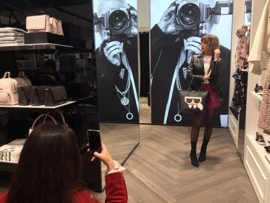 Karl Lagerfeld, icona mondiale della moda alla Reggia Outlet di ...