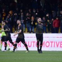 Benevento, ko da suicidio contro il Cagliari: finale da incubo (1-2)