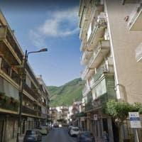 Maltempo, a Gragnano crolla parete di un palazzo, evacuate 30 famiglie