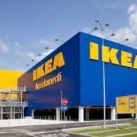 Ikea, rapina con i mitra nell'orario di punta. Bottino: 110.000 euro
