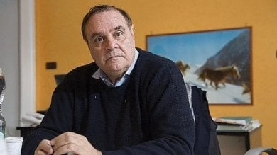 Clemente Mastella ferito in incidente stradale in Campania: amputata falange di un dito