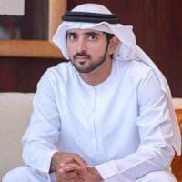 Si finge principe di Dubai per fare colpo sulle ragazze