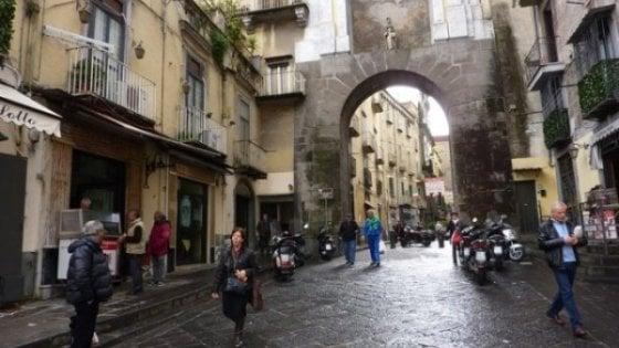 Napoli, agguato a porta San Gennaro: il nome di un ferito