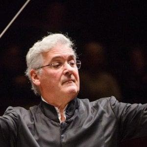 La Royal Philharmonic Orchestra in tournée a Napoli con Pinchas Zukerman