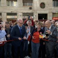 Taglio del nastro per la Cgil in via Toledo, la Camusso inaugura la nuova sede di Napoli