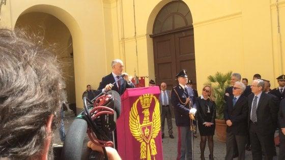 """Il capo della polizia Franco Gabrielli a Napoli: """"Cittadini, dateci una mano"""""""