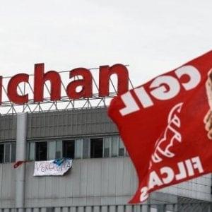 Napoli, vertenza Auchan: nel nuovo iper ci sarà lavoro solo per 70 dipendenti
