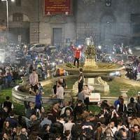 Il Napoli batte la Juve, in migliaia nelle strade
