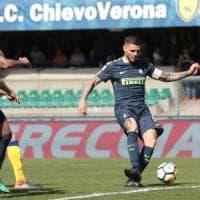 Napoli, operazione sorpasso: sabato tutti a tifare per l'Inter