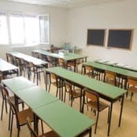 Furto in scuola materna, anche il sindaco di Cesa e i docenti di ronda