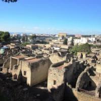 25 aprile: in 4mila sul Vesuvio, oltre 14mila a Pompei