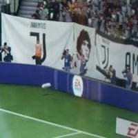 Fifa 2018, Maradona finisce nella curva della Juve e chiede i danni: