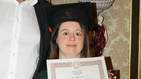 Napoli, studentessa  con sindrome di down si laurea con 110 e lode