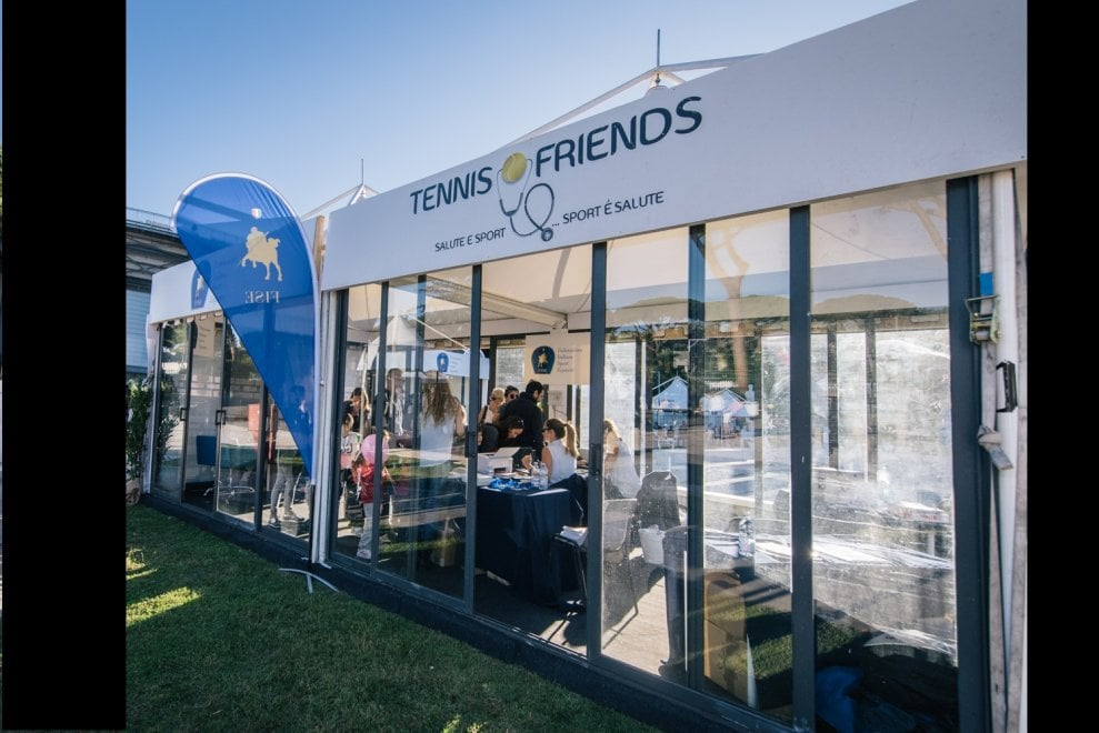 "Check-up gratuiti nel Villaggio di ""Tennis & Friends"" al Tennis Club in Villa comunale a Napoli"