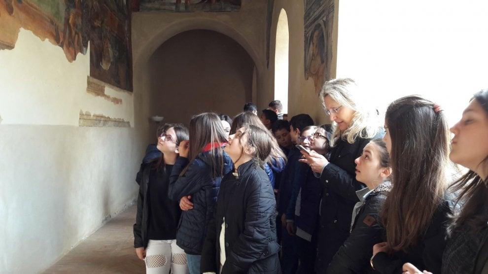 """Potenza, viaggio """"immersivo"""" negli affreschi del convento di Sant'Antonio da Padova a Tito"""