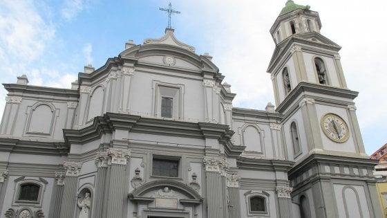 Sanità, un ring per il pugilato nel chiostro della Basilica