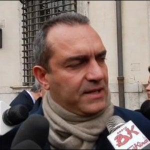 """De Magistris a De Luca: """"Viciè stai sereno, prendi una camomilla"""". Il governatore: """"Affascinante fare il sindaco di Napoli"""""""
