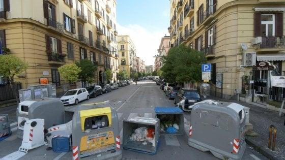 Vomero in tilt, esplode la protesta di residenti e ambulanti per i lavori per il parcheggio in piazza degli Artisti