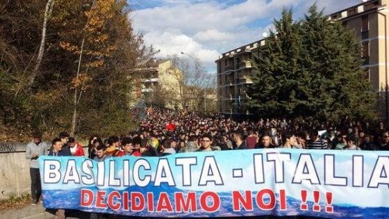 Potenza, cittadini in piazza per dire stop a Tempa Rossa