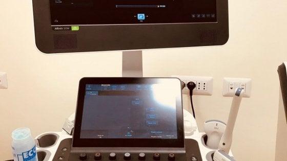 Napoli, nuovo macchinario per ecografie nello studio medico per indigenti