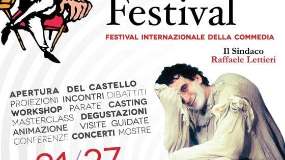 Ornella Muti omaggia Troisi al Pulcinella Film Festival