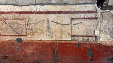 Pompei, ecco l'affresco di Adone ferito tra le braccia di Afrodite