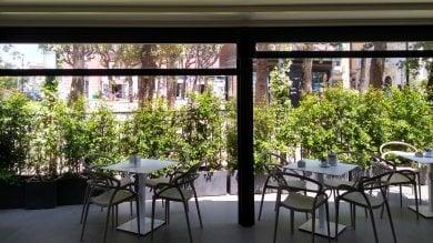 Sigilli al gazebo del Gran Caffè Napoli, storico bar di Castellammare rinnovato due mesi fa
