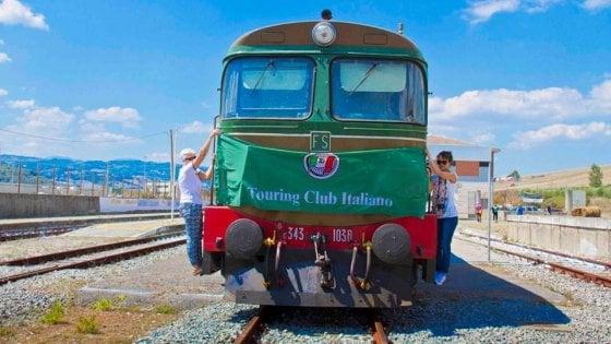 """Riparte il treno a vapore """"Avellino - Rocchetta Sant'Antonio"""""""