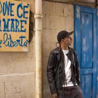 """Jovine lancia il nuovo singolo: """"Puortamecute"""". E'  una dichiarazione d'amore  a Napoli raccontata con le storie di chi è costretto a migrare"""