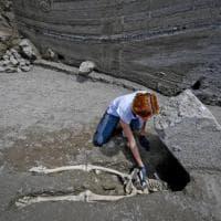 Scavi di Pompei, emerge una nuova vittima: trovato lo scheletro di un uomo in fuga