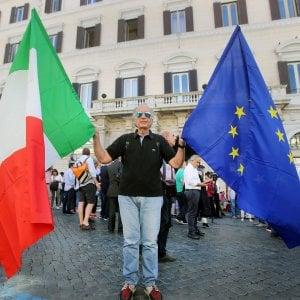 Festa della Repubblica, alzabandiera al Plebiscito e messaggio di Mattarella