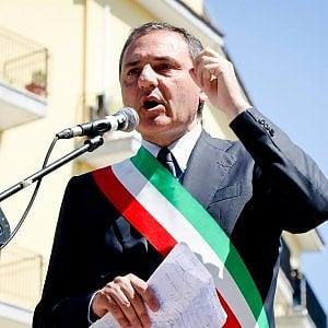 Afragola, dove il sindaco uscente Pd si ricandida contro mezzo partito